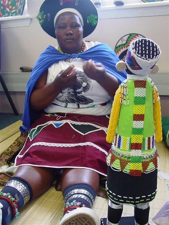 Siyazama + Africa Centre wshops Sept 04 006