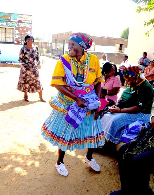 Shangaan trad dress at Mapula