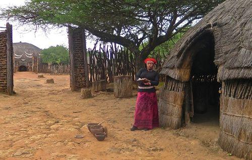 Zulu Makorti shakaland hut